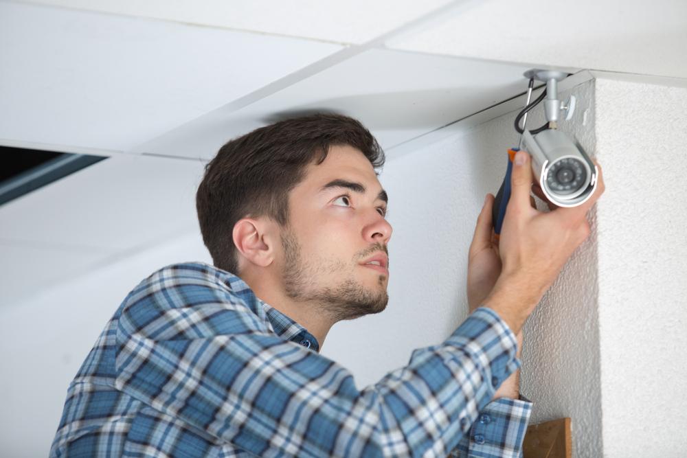 Locksmiths Melbourne Can  Put Deadbolt Sliding Door